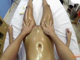 New masseur fucks Maye
